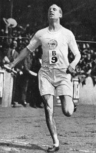 Eric Liddell winning race
